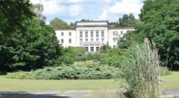 Kooperationsprojekt zum Areal am Bogensee: Lektionsgebäude der Jugendhochschule der FDJ, 2016, Foto: Martin Schmitt / ZZF Potsdam