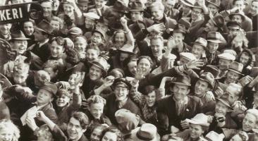 Foto: Frigjøringsdagen 8 mai 1945 / VE Day in Trondheim (1945), Quelle:Municipal Archives of Trondheimviaflickr, Lizenz:CC BY 2.0.