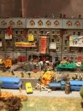 Ungewöhnliches Objekt der Ausstellung Alltag Einheit (27.05.2015-29.06.2016, DHM): Die Räumung der besetzten Häuser in der Mainzer Straße in Berlin-Friedrishain als Modell. Foto: Hans-Hermann Hertle