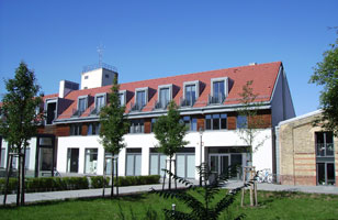 Am Neuen Markt 9D. Here you may find the ZZF library and the institute's main conference rooms