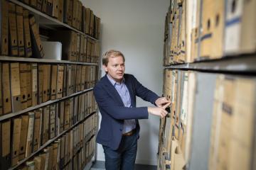 ZZF-Bibliothek: Sondersammlungen - das Biografische Archiv, Foto DAAD/Jan Zappner