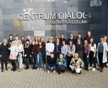 Workshop participants in front of the Centrum Dialogu in Lodz, October 2018 (Photo: unknown)