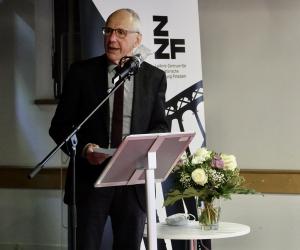 Den Zeitgeschichte digital-Preis 2020 erhielten Gangolf Hübinger (im Bild) und Kim Christian Priemel, Foto: Stefanie Eisenhuth