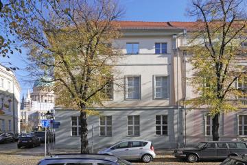 Seit 2001 ist das Gebäude Am Neuen Markt/Schwertfegerstraße der Hauptsitz des ZZF. Das heute denkmalgeschützte Haus ließ Friedrich der Große im Jahre 1753 errichten. Foto: Jürgen Baumann