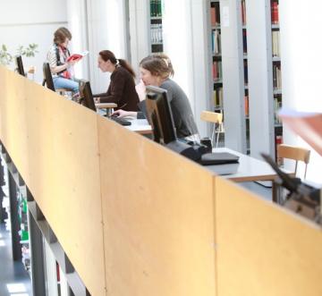 Bibliothek des Leibniz-Zentrums für Zeithistorische Forschung Potsdam, Foto: Jan Zappner