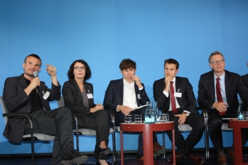 (V.l.n.r.) Dr. Dominik Rigoll, Dr. Franziska Kuschel (beide ZZF Potsdam), Dr. Lutz Maeke (IfZ), Dr. Martin Diebel (ZZF Potsdam) und Prof. Dr. Frank Bösch, Foto: Hans-Hermann Hertle