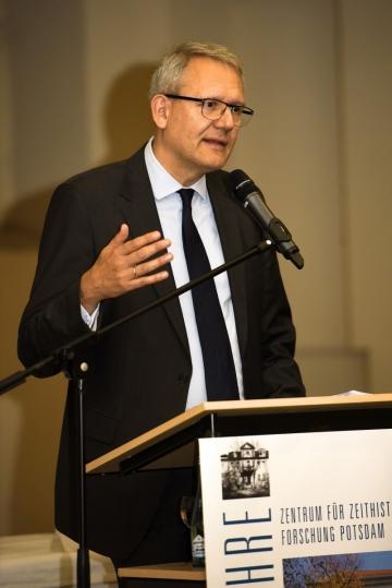 Professor Andreas Wirsching bei seinem Festvortrag anlässlich des 25-jährigen Bestehens des ZZF Potsdam, 12. Oktober 2017. Foto: Joachim Liebe