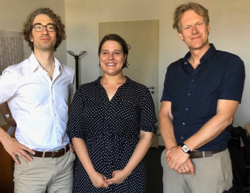 Zweitgutachter Prof. Dr. Fabian Lemmes (Ruhr-Universität Bochum), Julia Gül Erdogan und Doktorvater Prof. Dr. Frank Bösch (ZZF)