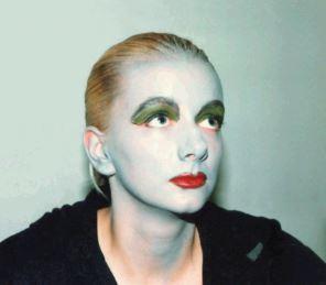 Katja Dietrich-Kröck baut ab 1992 das Kulturzentrum  in der Potsdamer Schiffbauergasse mit auf.