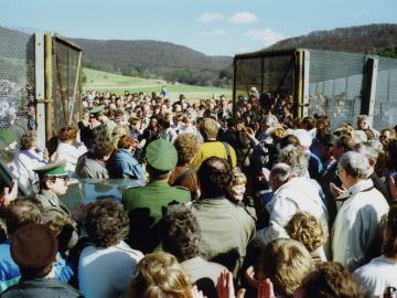 Die offene Grenze am 11. März 1990 in Wendehausen (Thüringen), Fotograf:Hans-Joachim Tuttaß