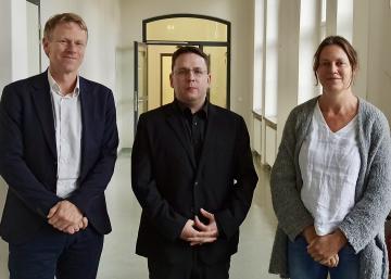 (V.l.n.r.): Professor Frank Bösch, Nikolai Okunew und Priv.-Dozentin Dr. Annette Vowinckel, Foto: Florian Völker